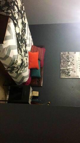Exclusive bedroom in HOA!!