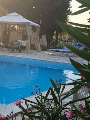 Villa with swimming pool  Alghero area