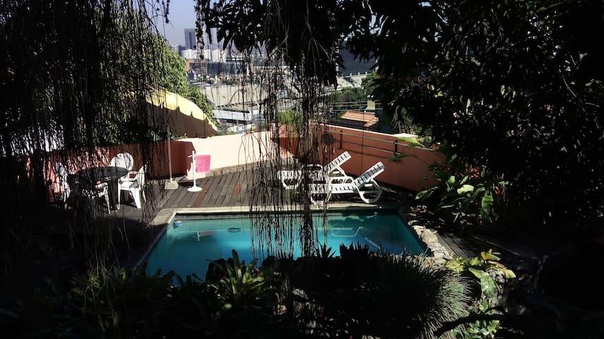 apto. independente em jardim tropical com piscina