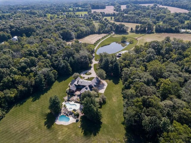 Spacious Luxury Farmhouse