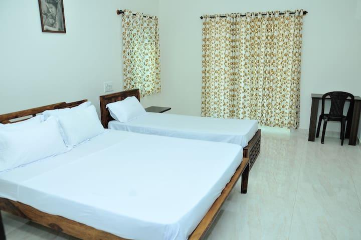 Bedroom 4 (First Floor)