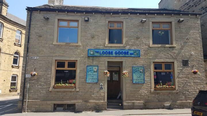 Room 2 - The Loose Goose Inn B&B