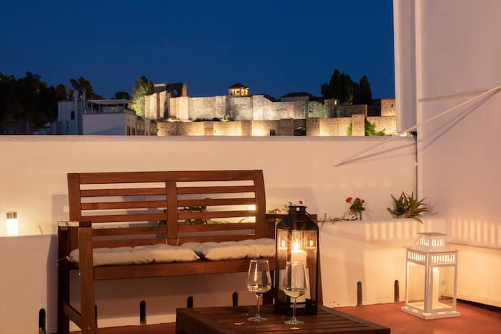 Fabulous Terrace Alcazaba Views Next to Cathedral