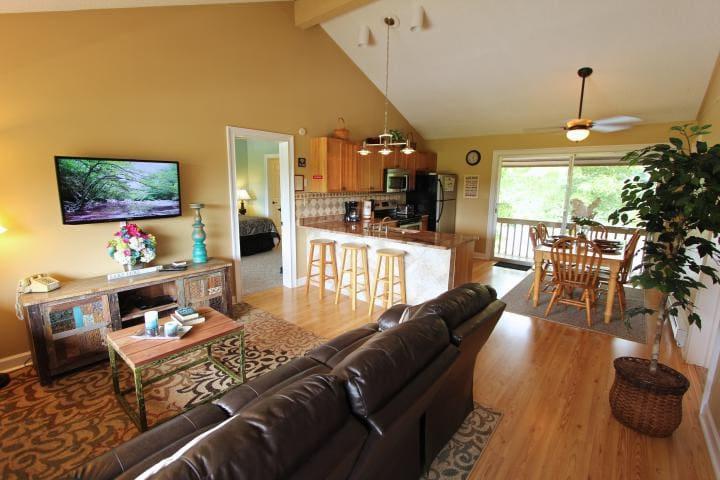 Fairway Villa #406- Rumbling Bald Resort - Lake Lure - Villa