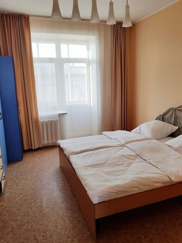 Апартаменты с 2 спальнями и балконом на пр. Ленина