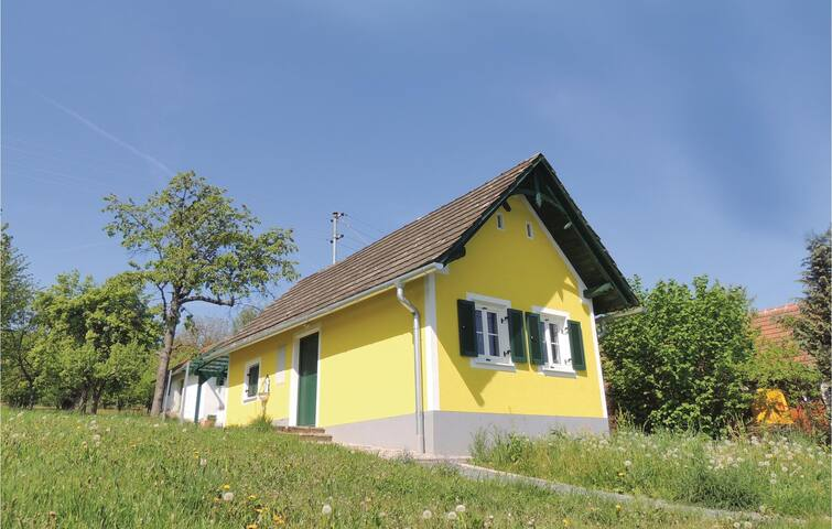 Holiday cottage with 1 bedroom on 27m² in Eberau