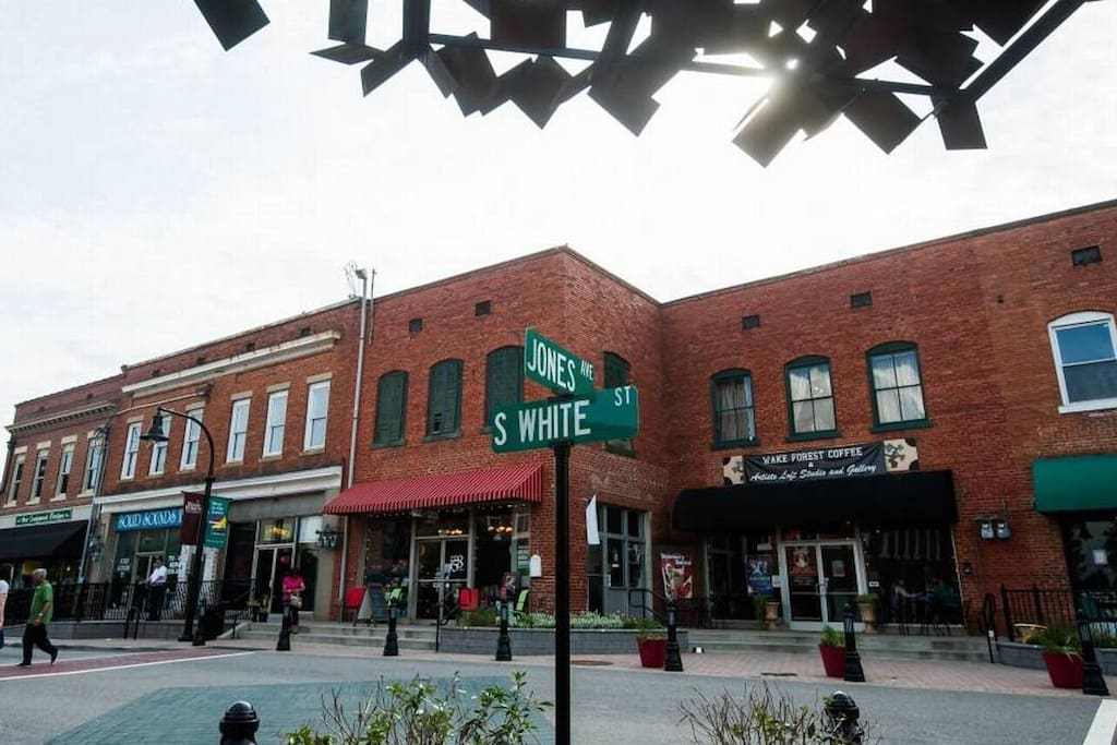 Street scene, historic downtown Wake Forest.