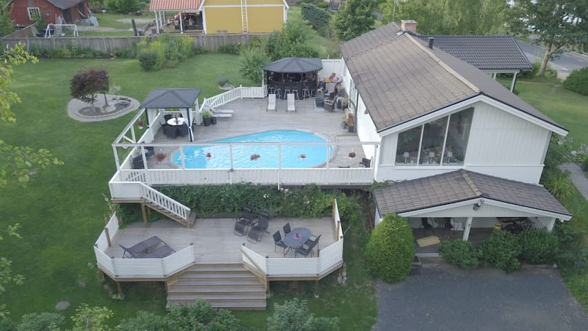 Appartment in our house with Pool in the country