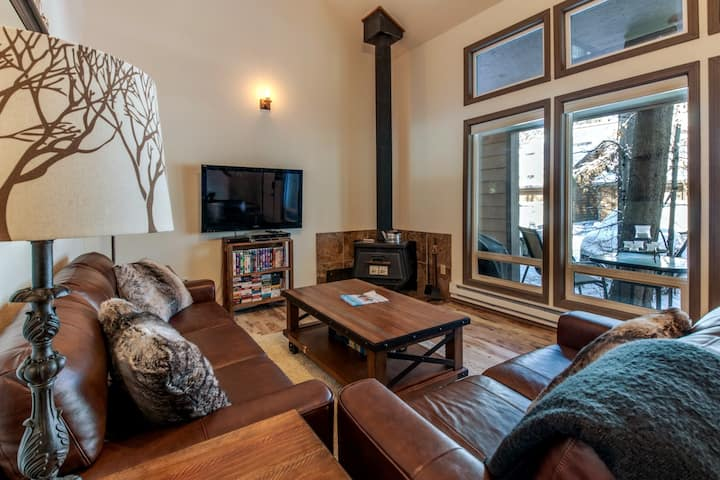 Close to it All in McCall, Clean Cozy Condo