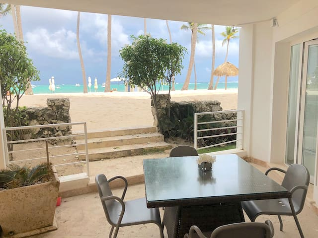 Sea View Deluxe condo 5 ppl WiFi Cleaning