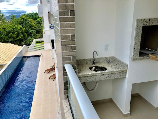 Apartamento Novo – Praia do Campeche – Com Piscina