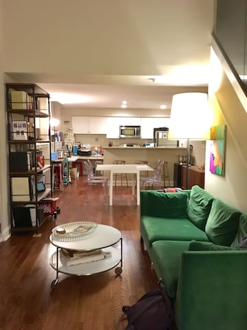 Sunny Lofted BD in Historic Philly - Filadelfia