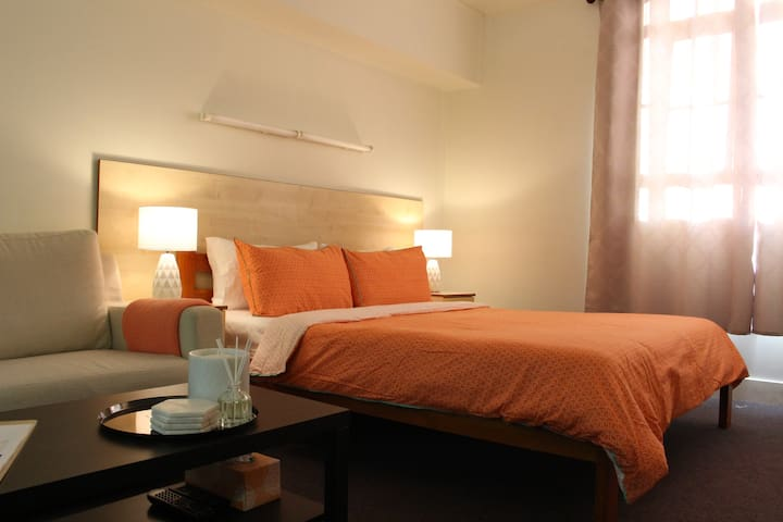 Newly Furnished Studio in the Heart of City!