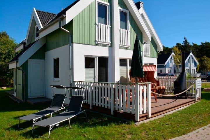Ferienhaus für 6 Gäste mit 77m² in Breege (123329)