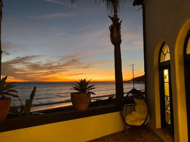 Beachfront Romantic Spanish Villa Pure Ocean Views