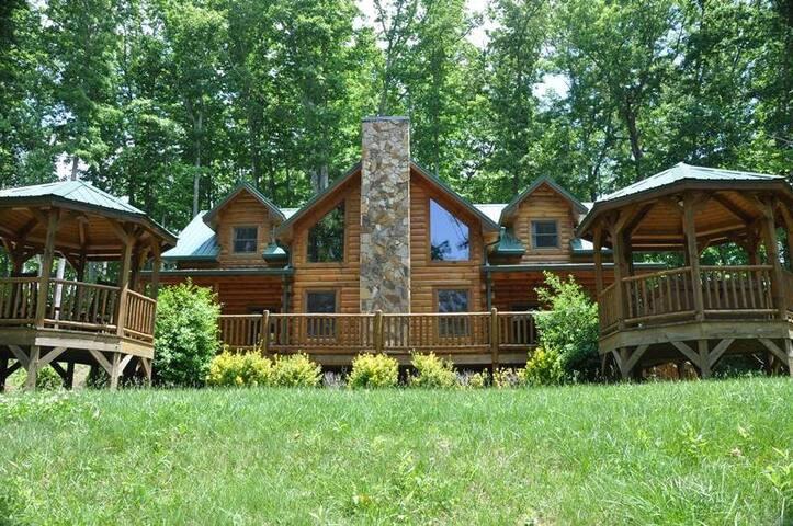 Cherokee Timber Lodge