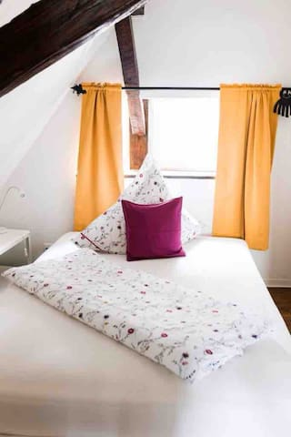 Das andere Schlafzimmer mit 1,40m Doppelbett / the other bedroom with 1,40m Doublebed