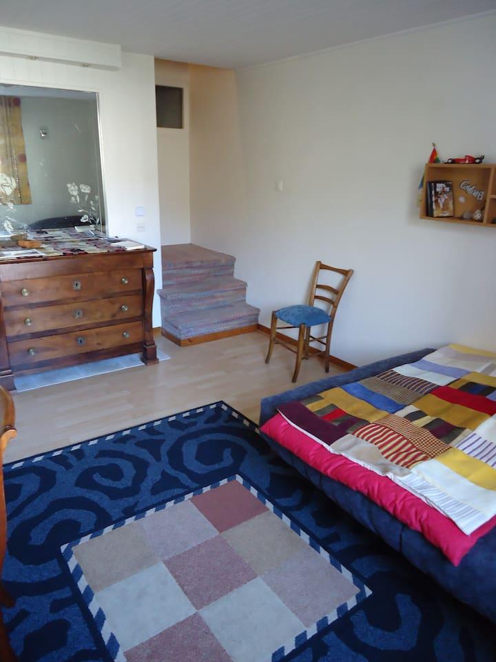 Chambre dans maison très proche lac-vue montagne-