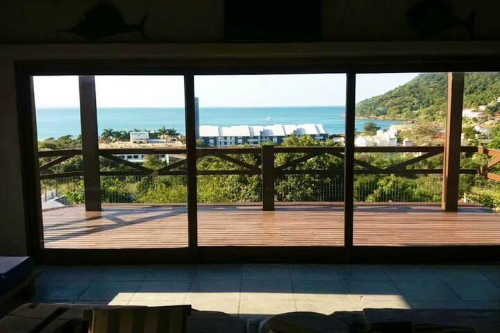 Vista da sala de estar para a Praia da Lagoinha