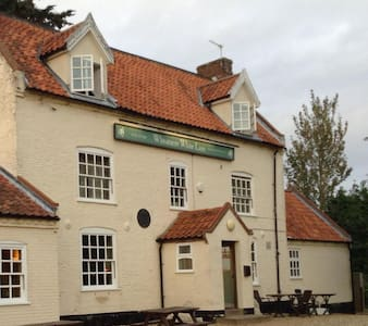 Wheatacre White Lion - Norfolk