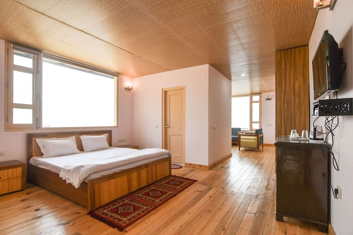 2 Cozy Suites In an Orchard with Unobstructed View