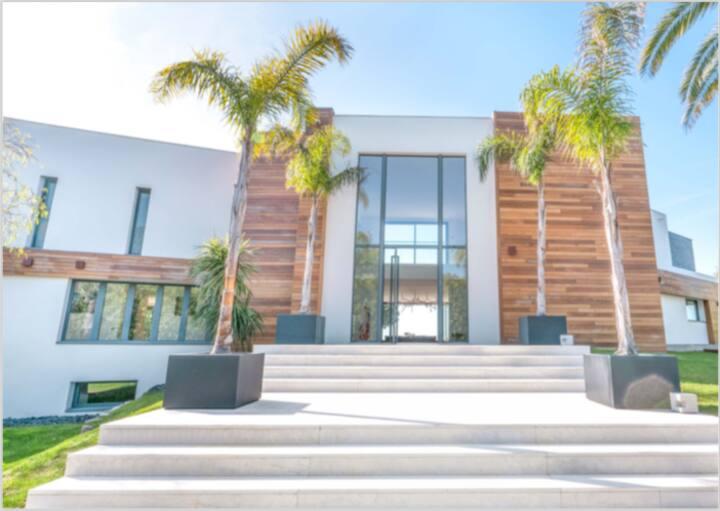 Magnifique Villa contemporaine avec vue mer