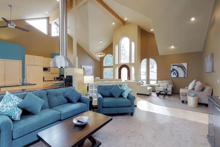 Gorgeous riverfront home w/ gourmet kitchen, private hot tub, and dock