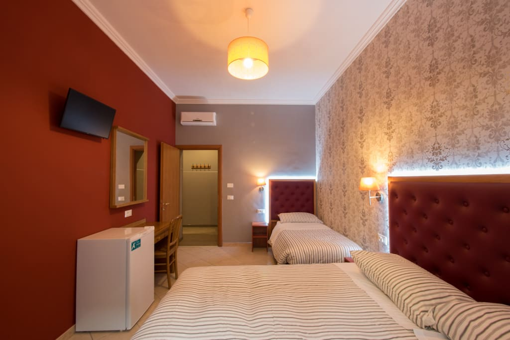 Private double/triple room with bathroom+Wifi+A/C