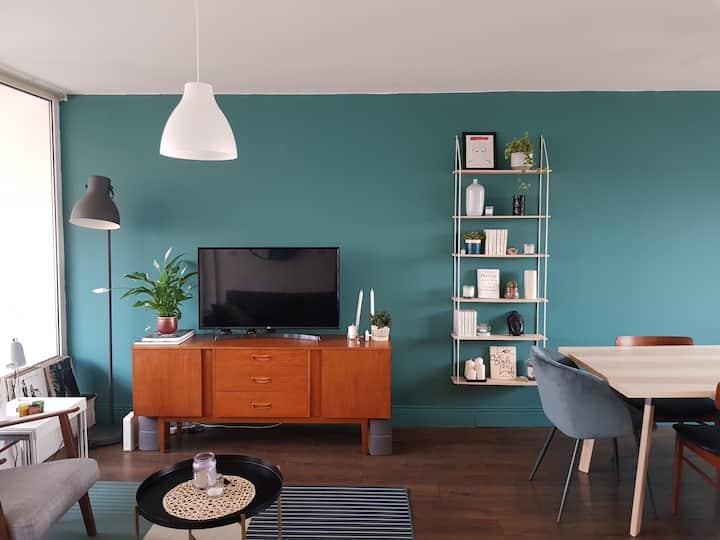 Charming 4th floor D8 apartment