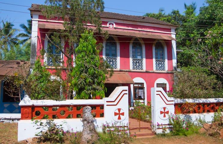 Heritage House Residence Caranzalem Miramar Panjim - Panjim - Maison