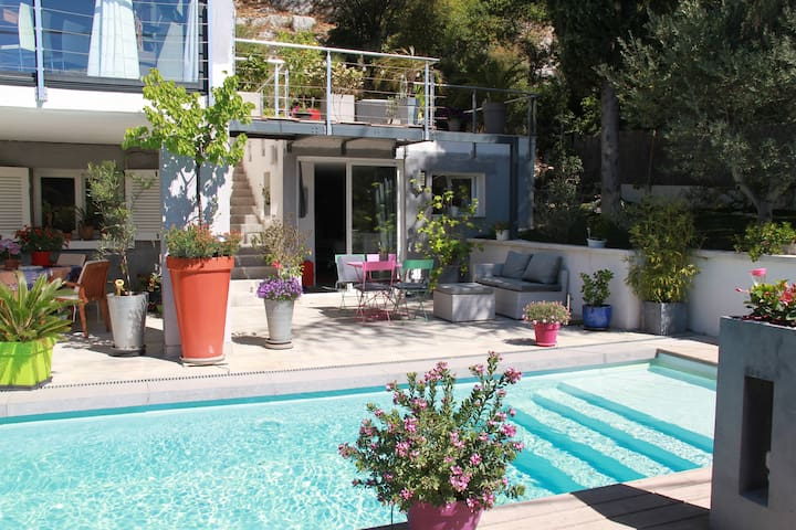 CHARMING STUDIO NEAR CASSIS