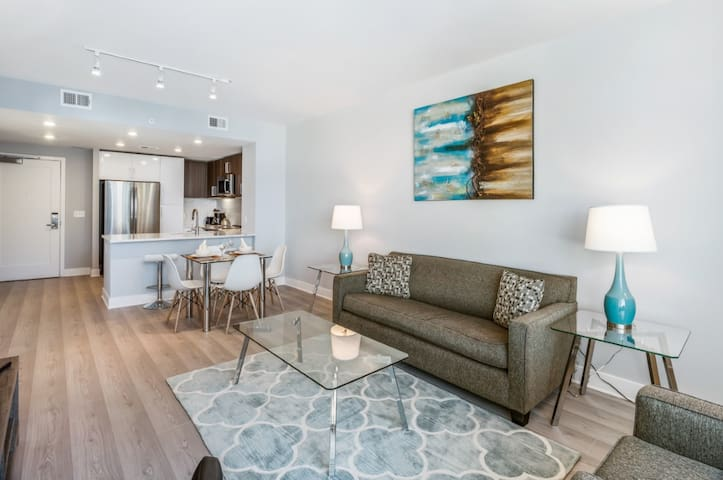 Luxury | 1 BR Apt | Downtown Bethesda | by GLS