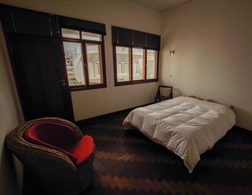 Room 2 : Double bed