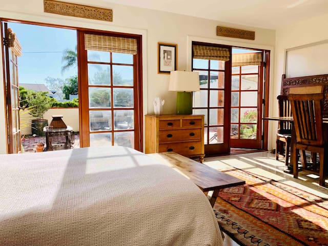 Private Studio  Hidden Treasure in Woodland-Hills