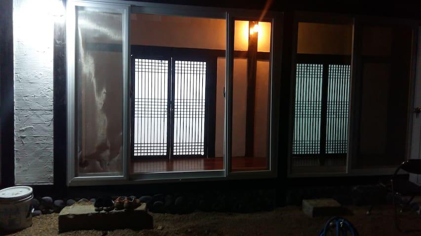 """그녀들을 위한 공간 """"오래뜰"""" 온돌방 - Bukgyo-gil, Mokpo-si - House"""