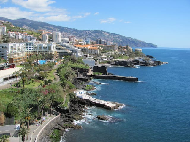 Apartamento com vista espectacular sobre o Mar - Funchal - Apartment