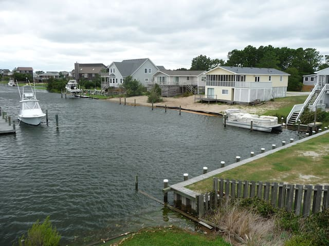 Canal Front Old Nags Head Cove