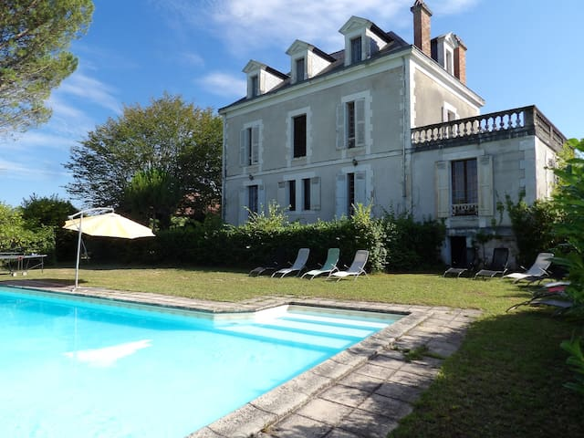 Villa with 5 bedrooms in Hautefort, with private pool and furnished garden - 1 km from the beach
