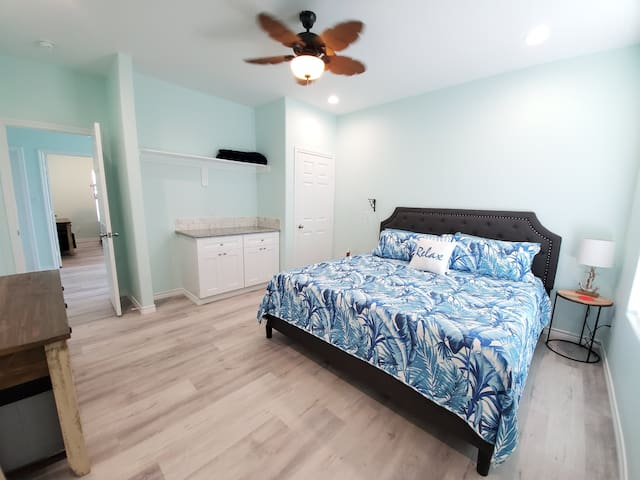 Master bedroom (Bedroom 1) with access to Master bathroom (Bathroom 1)-King sized bed