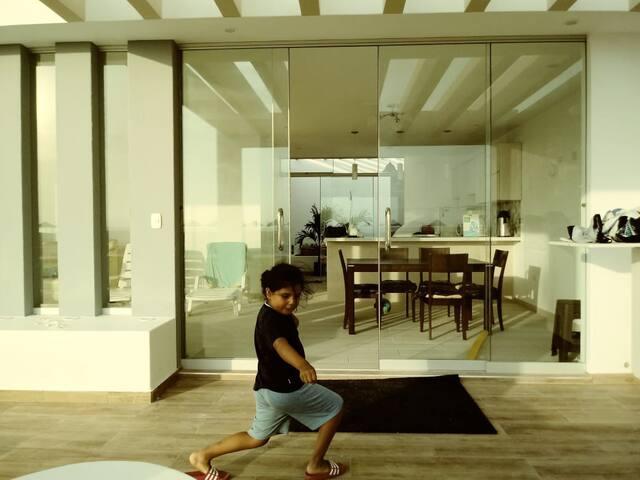Casa en Costa Palmeras con piscina vista al mar