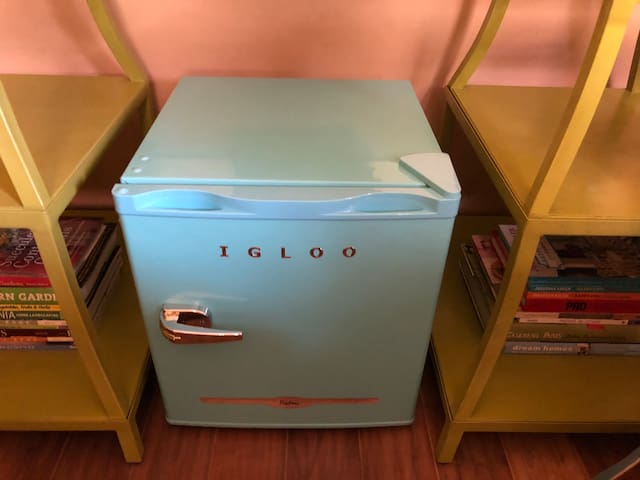 Here's a little mini-fridge for your use while visiting.