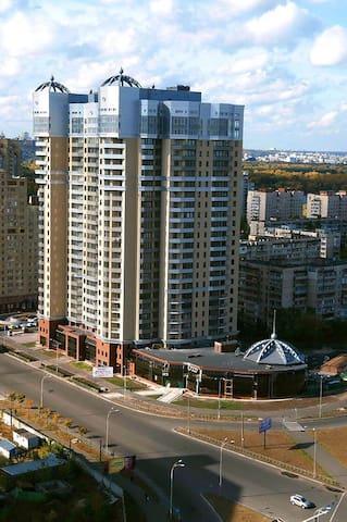 МВЦ Expo (IEC), метро Левобережная; 2-ух. комн. кв