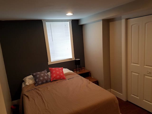 Grand Rapids, Private Bedroom with bath - Kentwood