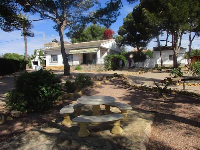 Traditional Spanish villa in secluded garden - Pinar de Campoverde