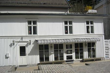 Hovedgata 48 Tvedestrand. Norge - Tvedestrand