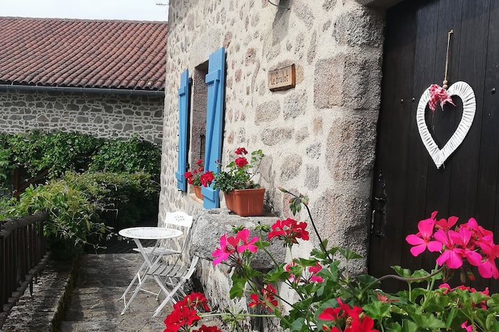 Le Brulot  - beautiful spacious cottage with pool