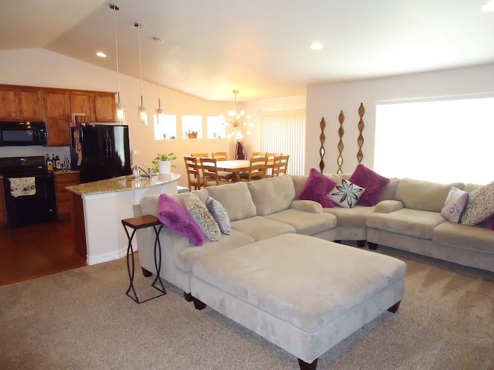 Brand New Comfy Home 12 min. from UNC