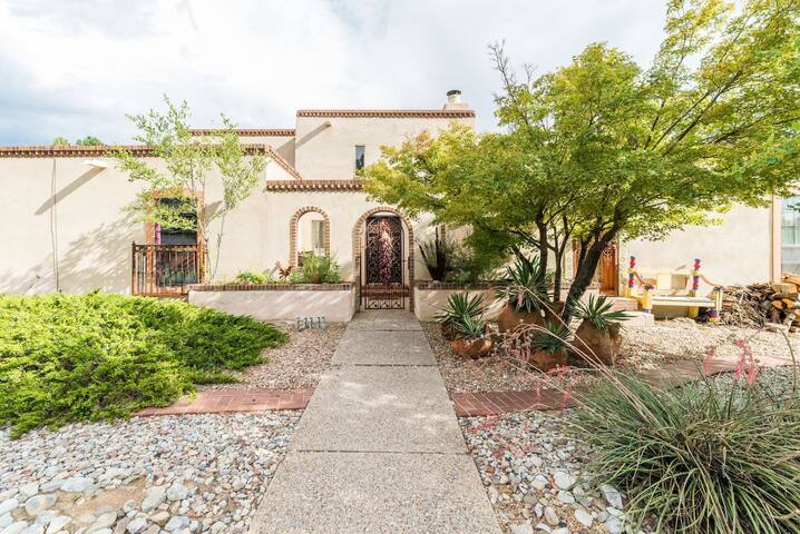 House of Peace & Love: Mexican Fiesta room - Albuquerque - Maison