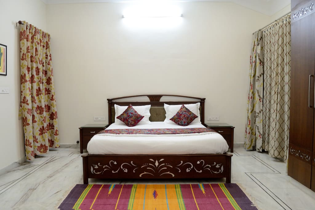 King room with King Size Bed @ Dilip Niwas