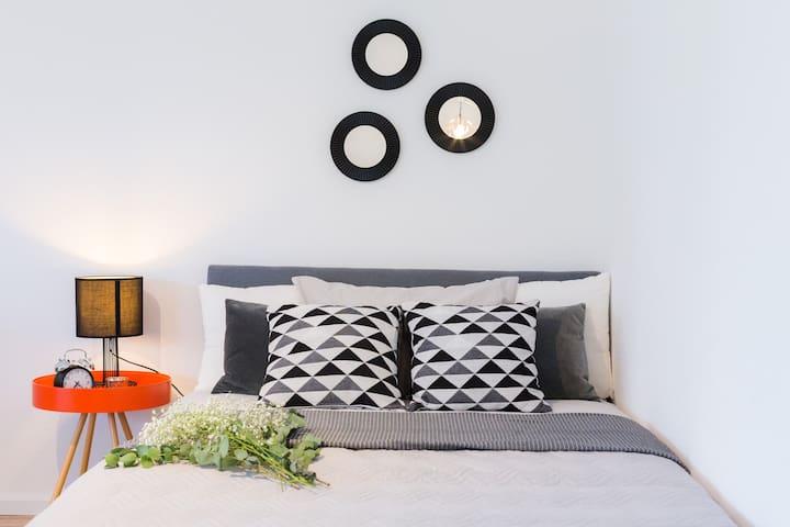 ☆Holiday Apartment »Achalm« mit Sonnenterrasse☆